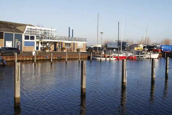 Eemnes krijgt weer een 'ouderwetse stinkkroeg met biljart'; 'Polderrestaurant De Haven van Eemnes' maakt plaats voor bruin café Bij Ingo