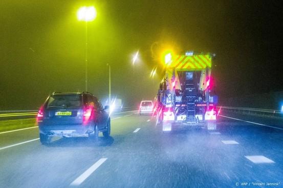 Strooiwagens in grote delen van land weg op