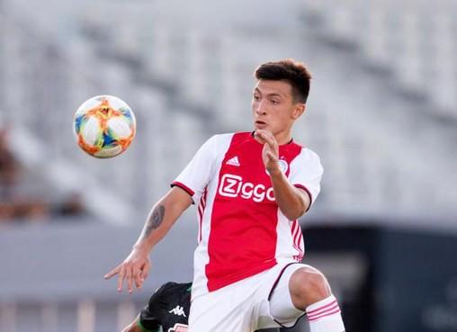 Ajax verhuurt Duitse aanvaller Kühn aan Bayern