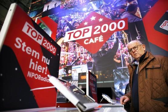 Zanger Danny Vera stormt NPO Top 2000 binnen, Radio 2 sluit Stembusweek af op eigen honk in Beeld en Geluid Hilversum