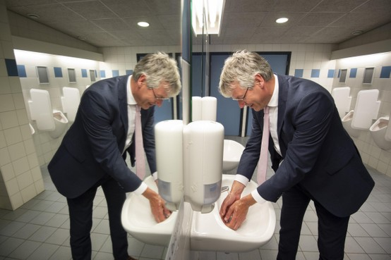 Directeur grootste school in Leiden legt minister Slob uit: Scholen moeten 'alles opnieuw uitvinden'