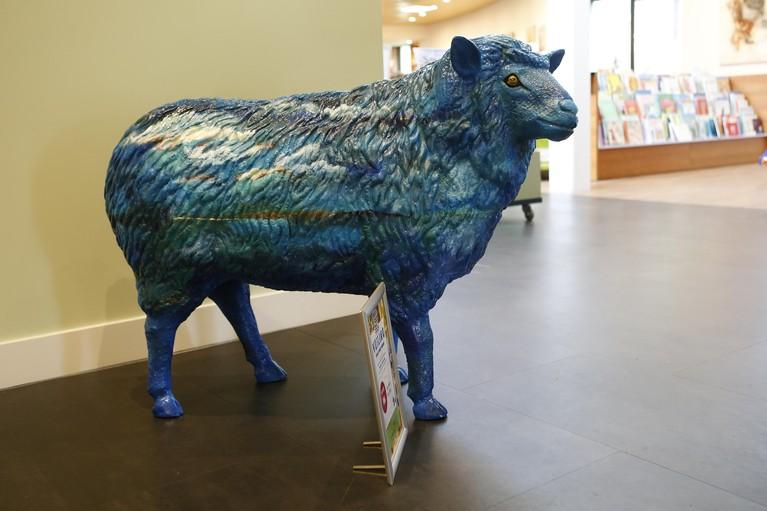 'Schaap zoekt herder' op 24ste Art Laren; kunstkudde geveild voor goede doel
